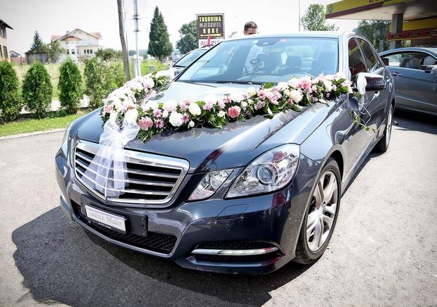 svadba i vencanje-emilija-dekoracija-auto